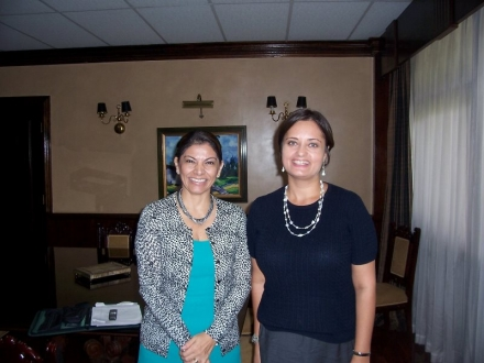 Costa Rican President Laura Chinchilla welcomed a visit from researcher Farida Jalalzai (right) in 2012. Chinchilla served from 2010-2014 and is included in Jalazai's latest published research on females in power.