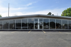 Commercial Building for Rent in Poteau